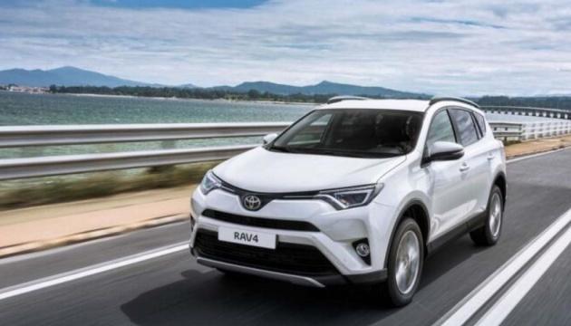 Toyota розробила систему, що дає змогу одночасно керувати кількома авто