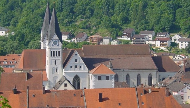 Церква у Німеччині вибачилася за спалення «відьом» через 400 років
