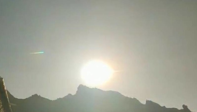 У небі над Китаєм пролетіла величезна вогняна куля-метеорит