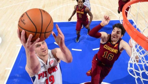 НБА: «Детройт» Михайлюка поступився в двох овертаймах «Клівленду»