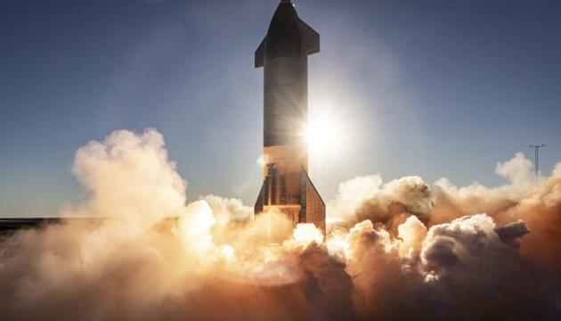 SpaceX починає передстартові випробування корабля для польотів на Марс