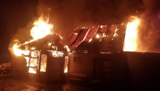 На Одещині через новорічну гірлянду згорів будинок