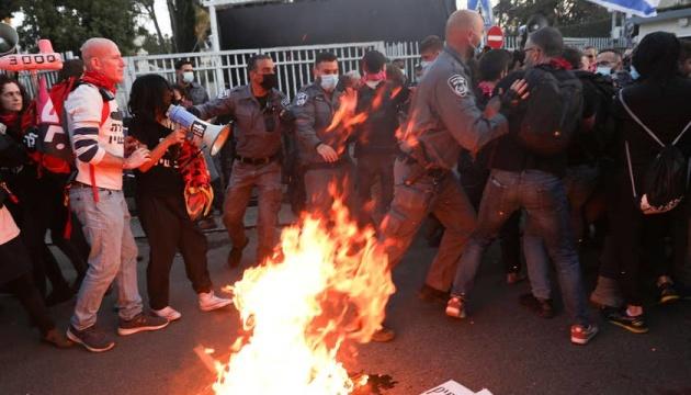 В Ізраїлі протестували проти Нетаньягу напередодні введення локдауну