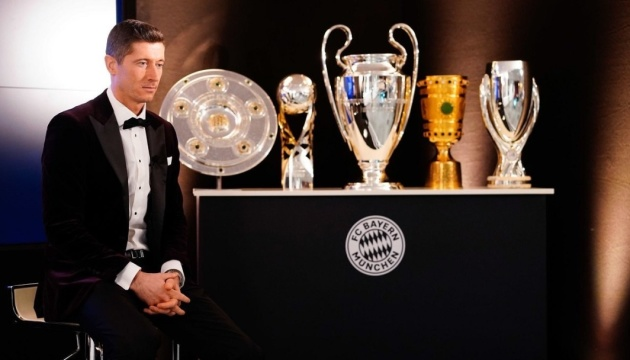 Левандовський став футболістом року за версією Globe Soccer Awards