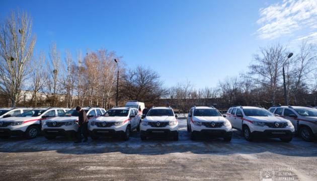 Сельские амбулатории на Донетчине получили 18 автомобилей