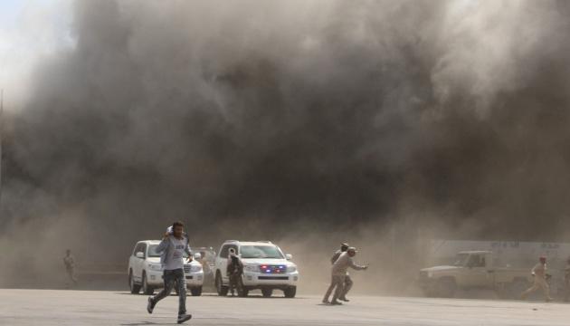 Вибухи в аеропорту Ємена: вже 26 загиблих і понад 50 поранених