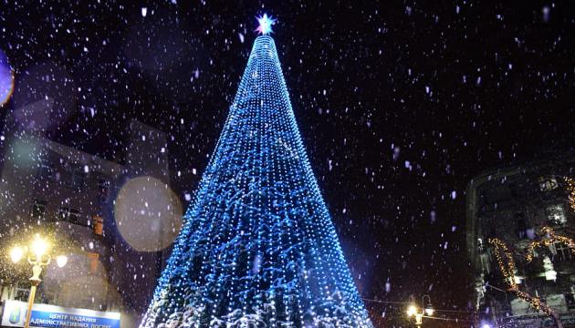 В Ивано-Франковске в новогоднюю ночь у главной елки концерта не будет - мэр
