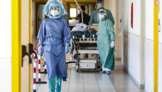 В Італії в останній день року померли 555 хворих на COVID-19
