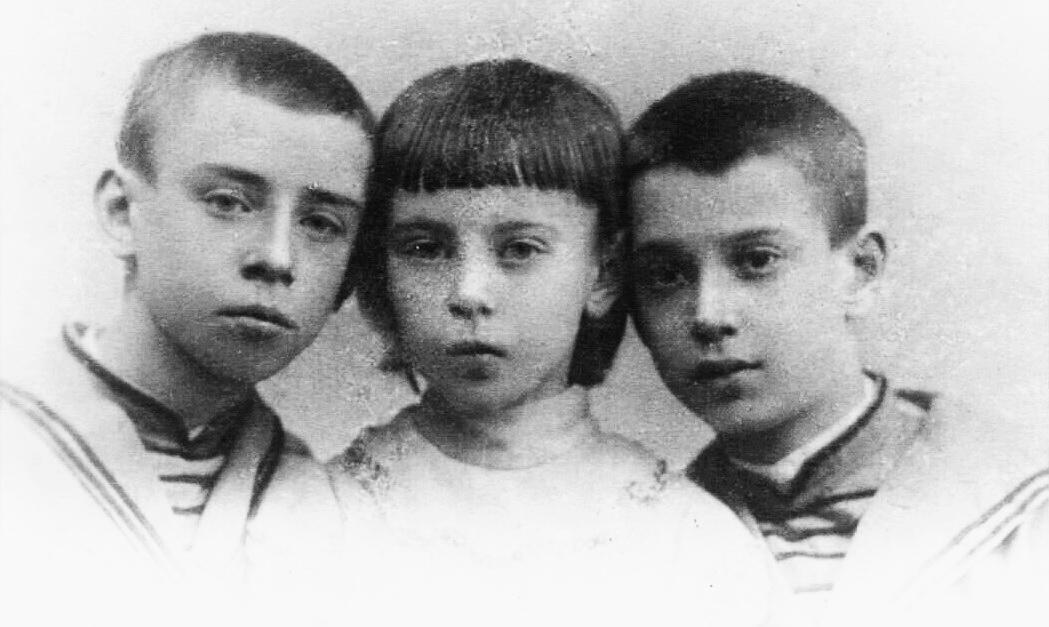 2-Вацлав, Бронислава и Станислав Нижинские в детстве 1897 1