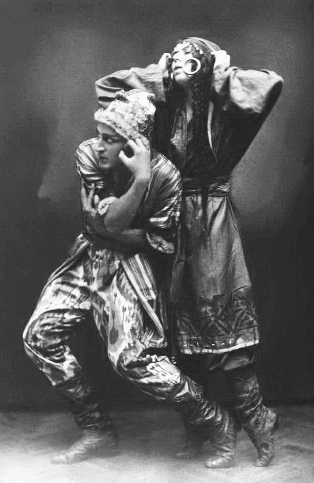 Броніслава Ніжинська і В. Карнецкій в балеті Половецькі танці, 1912 р