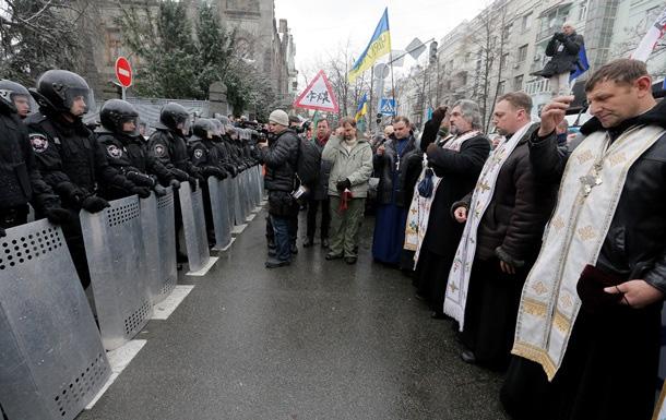 Священники-миротворці в Революцію Гідності