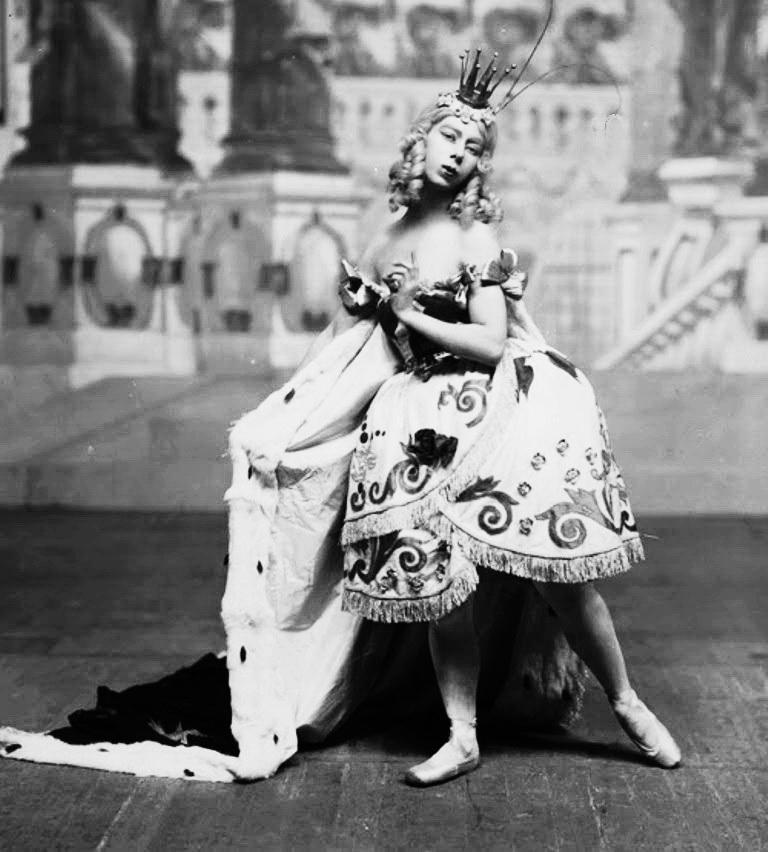 Броніслава Ніжинська в ролі Феї Колібрі. «Спляча красуня», 1922