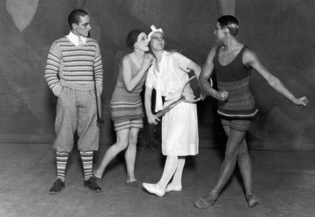 Леон Вуйціковскій, Лідія Соколова, Броніслава Ніжинська, Антон Долін в балеті Блакитний експрес, Париж, 1924 р