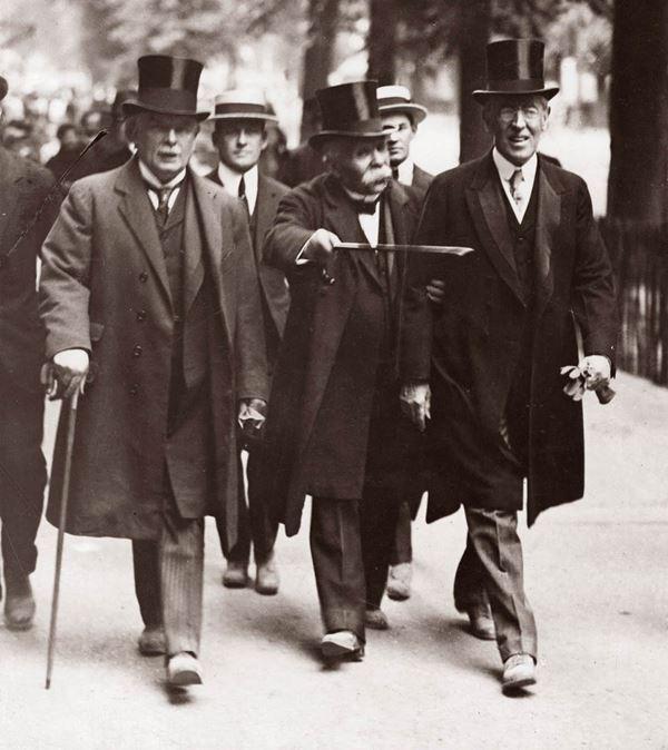 Прем'єр-міністр Британії Девід Ллойд-Джордж, прем'єр-міністр Франції Жорж Клемансо та президент США Вудро Вільсон на Паризькій мирній конференції
