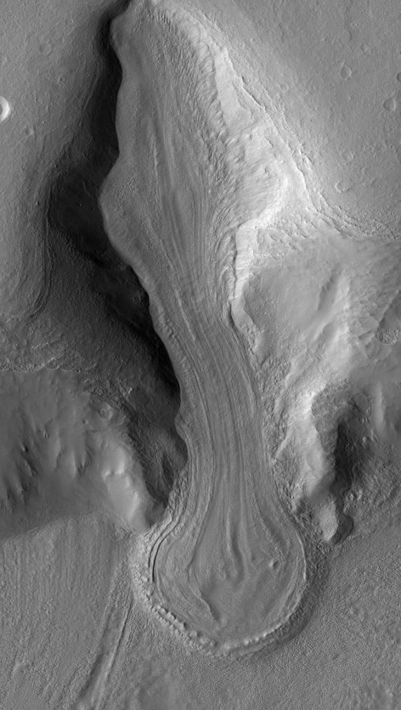 Сліди десятків льодовикових періодів знайшли на Марсі