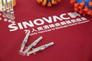 Вакцина Sinovac ефективна на 50,38% - результати випробувань у трьох країнах