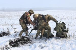 Окупанти п'ять разів зривали «тишу» на Донбасі, поранений військовий ЗСУ