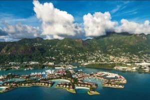 Сейшелы открылись для привитых от COVID-19 туристов