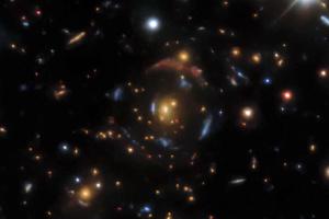 Викривлюють час і простір: штучний інтелект виявив 1210 гравітаційних лінз