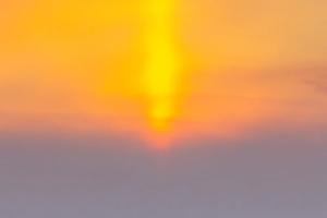 Naturphänomen: Sonnensäule über Saporischschja
