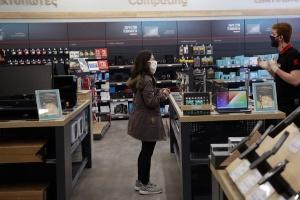 Греція відкрила крамниці на тлі послаблення карантину