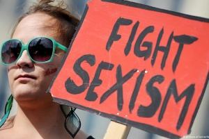 С женщинами шутки плохи: как в ВР решили наказывать за проявления сексизма