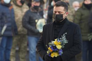 Präsident Selenskyj gedenkt der Soldaten, die für Unabhängigkeit der Ukraine fielen
