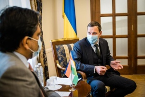Yenin, Indian ambassador discuss development of political contacts between two countries