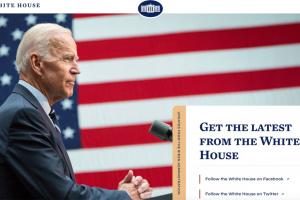 Вебсторінка Білого дому повернула іспаномовну версію