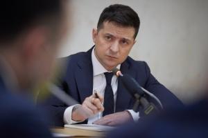 Стипендії і гранти на закордонне навчання: Зеленський заснував премії для відмінників