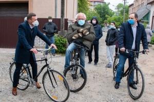 Мер Франківська обіцяє «символічні» премії посадовцям, які пересядуть на велосипеди