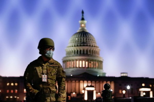 Серед нацгвардійців США, які охороняли Капітолій, стався спалах коронавірусу — ЗМІ