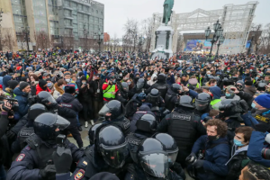 Кількість затриманих на акціях на підтримку Навального в РФ сягнула тисячі