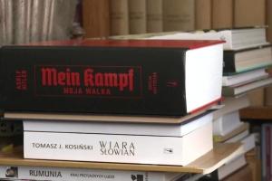 Видання «Майн Кампф» у Польщі викликало дискусії серед істориків і бурхливу реакцію в Росії