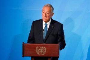 На выборах в Португалии побеждает действующий президент