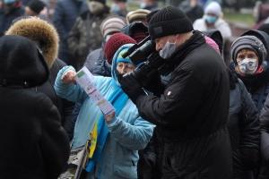 На «тарифном» митинге в Виннице собирают подписи под обращением к властям