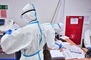 У Польщі «британська» мутація COVID-19 становить майже 100% усіх інфікувань