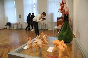 У Харкові відкрили виставку художньої кераміки «Мистецькі верлібри»