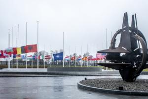 НАТО закликає РФ забезпечити свободу судноплавства в Азовському морі