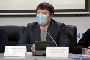 Правозащитник: «суды» в Крыму за год посадили 24 человека, десять приговоров - от 12 до 19 лет