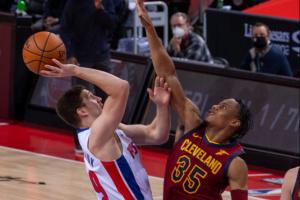 НБА: «Детройт» з Михайлюком програв «Клівленду»