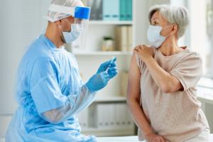 В Польше вакцинировали от COVID-19 уже более миллиона человек