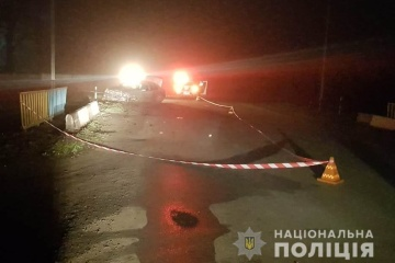 Tödlicher Verkehrsunfall: Mercedes-Fahrer erfasst Radfahrer und versucht, mit Opfer im Kofferraum zu flüchten