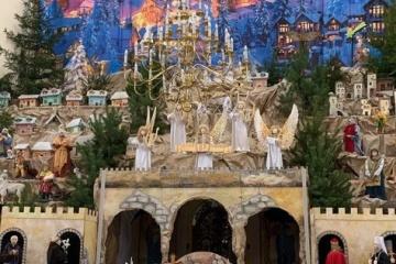 W Tarnopolu zainstalowano największą w kraju szopkę bożonarodzeniową