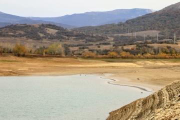 Le réservoir d'Ayan en Crimée occupée s'est asséché