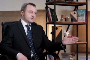 Креминь поможет с контролем за соблюдением языкового закона на телеканалах