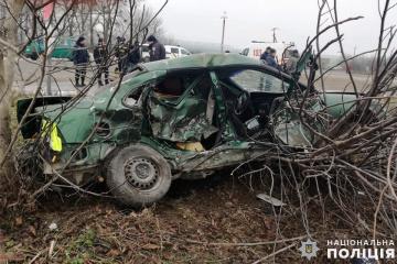 Unfall in Oblast Chmelnyzk: Ein Frau tot, drei Kinder unter Verletzten