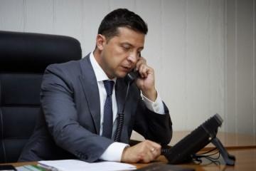 El presidente de Gobierno de España promete a Zelensky ayudar a Ucrania a recibir la vacuna contra la COVID-19