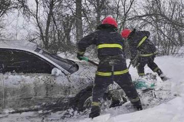 Z powodu złej pogody na autostradzie Kijów-Odessa zabroniono ruch samochodowy