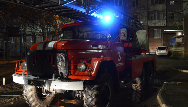 У Миколаєві через запуск салютів сталася пожежа у багатоповерхівці